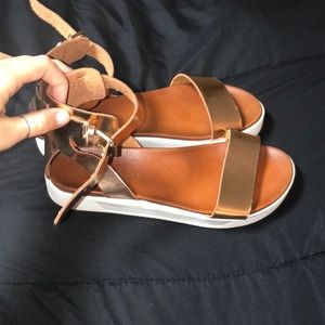 Brand New Flatform shoes
